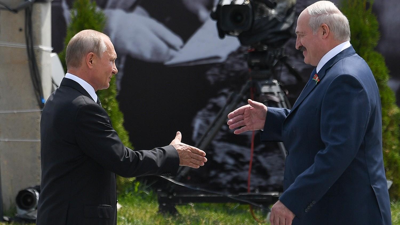 Lukaşenko Moskvaya getməyə qərar verdi -