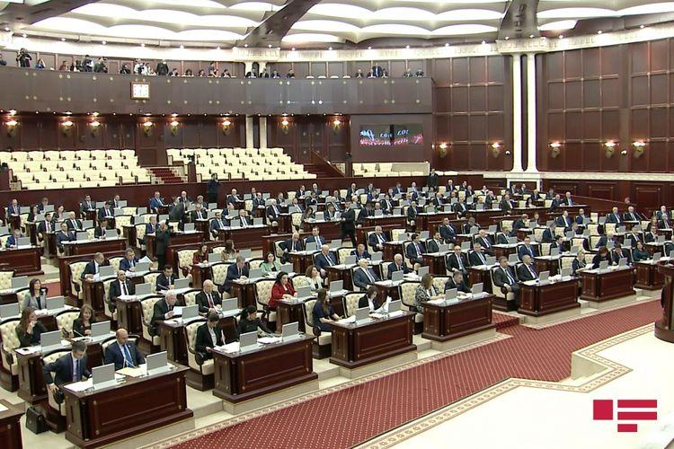 Bu deputatlar Milli Məclisin növbədənkənar sessiyasının çağırılmasını istəyib