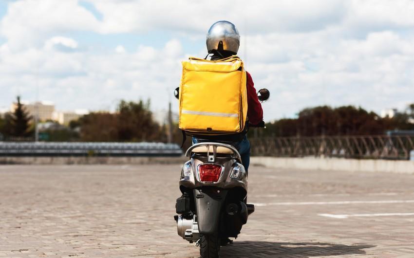 Azərbaycanda moped sürücülərindən sürücülük vəsiqəsi tələb olunacaq