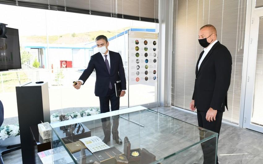 """İlham Əliyev """"Çovdar"""" İnteqrəolunmuş Regional Emal Sahəsinin fəaliyyəti ilə tanış olub"""