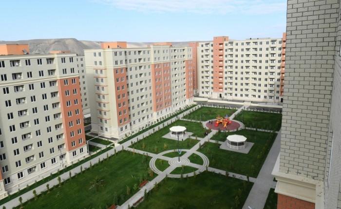 """İlham Əliyev və Mehriban Əliyeva """"Qobu Park-3"""" yaşayış kompleksinin açılışını etdi"""