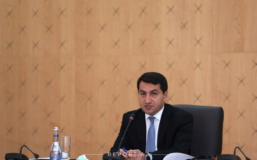 Prezidentin köməkçisi aparıcı xarici KİV nümayəndələrinə videoformatda mətbuat brifinqi verib