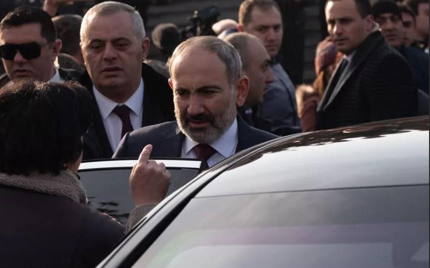 Paşinyan Yerevanda küçələri bağlatdırır -