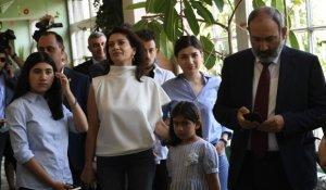Ermənistanda parlament seçkiləri keçirilir - Paşinyan növbəyə dayandı, səs verdi... (Yenilənir)