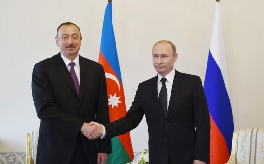 Prezident İlham Əliyev Vladimir Putinlə telefonla danışıb