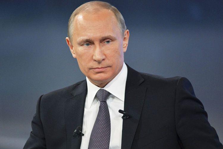Putin Konstitusiyaya dəyişikliklərlə bağlı qanun layihəsini imzalayıb