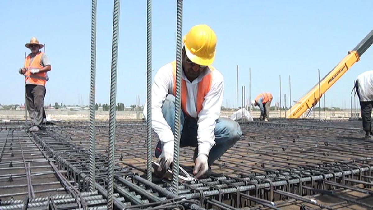İcra başçısı 3 milyon 625 min manatlıq bina tikdirir