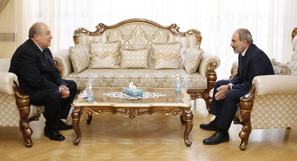Paşinyanla prezident Sarkisyan arasında gərginlik –