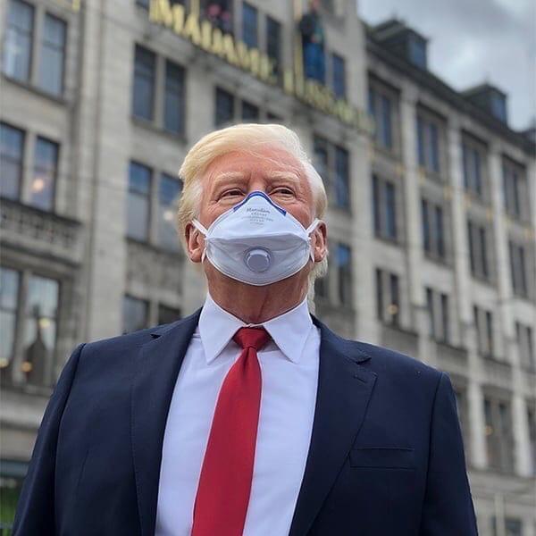 Tramp pandemiya ərzində ilk dəfə tibbi maska taxdı - FOTO